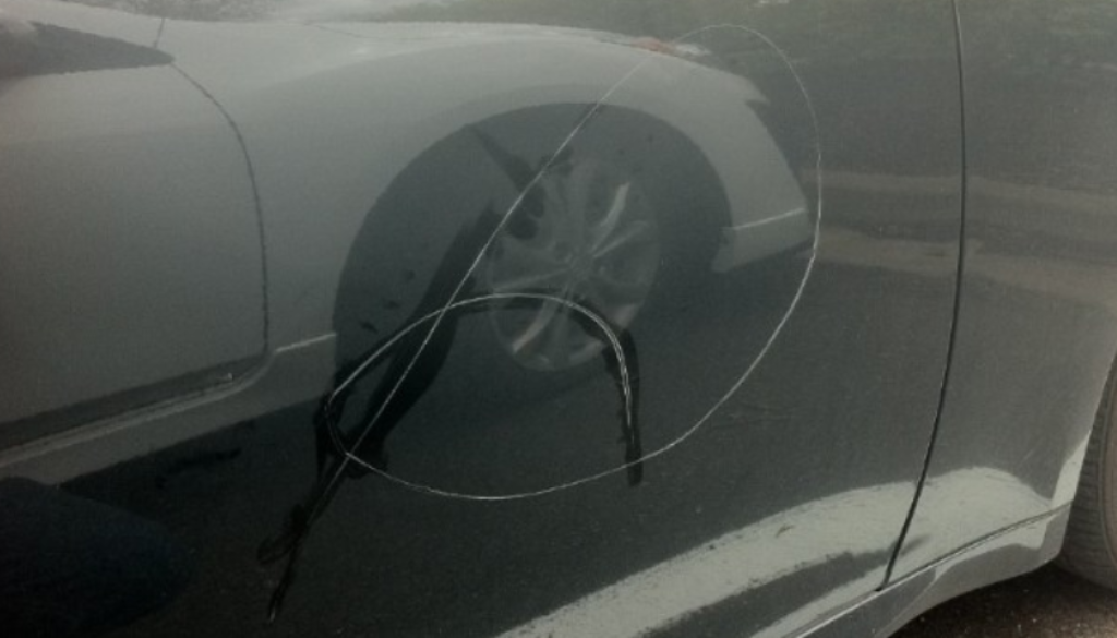 keyed-car